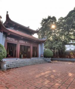 Đền Kim Ngưu – Phủ Tây Hồ