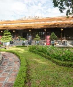 Bảo tàng Cổ vật Cung đình Huế