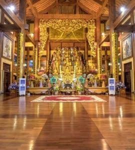 DAI HUNG BAO DIEN TEMPLE – BA VANG PAGODA COMPLEX