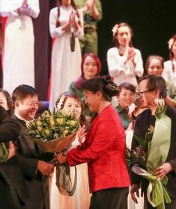 Nhạc kịch Lá Đỏ của nhạc sỹ Đỗ Hồng Quân
